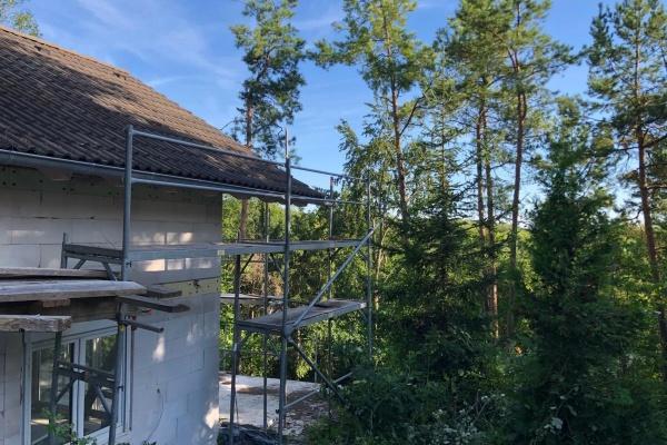 Das Ferienhaus Wald & wird gerade verputzt