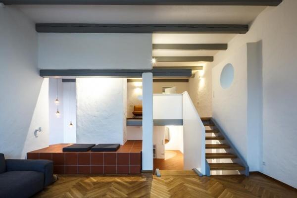 In verschiedenen Bereichen im Haus gibt es für Jeden einen Platz zum Relaxen.