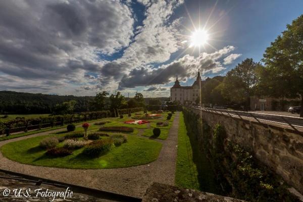 Historischer Barockgarten Schloss Langenburg (9km) entfernt