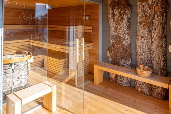 Was für eine Saunawelt am See....