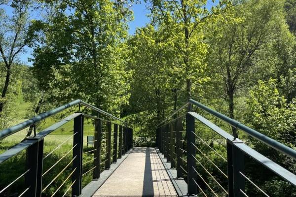 Brücke zum Wanderweg